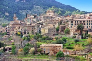 11860500-picturesque-town-of-valldemossa-in-majorca-spain