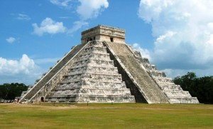kukulcan-the-main-temple-at-chichen-itza-300x181